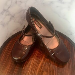 ECCO Burgundy Patent Leather Mary Jane Flats
